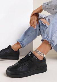 Renee - Czarne Sneakersy Sherith. Kolor: czarny
