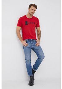 Guess - T-shirt. Kolor: czerwony. Materiał: bawełna, dzianina. Wzór: nadruk