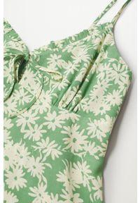 mango - Mango - Sukienka NIKI. Kolor: zielony. Materiał: włókno, materiał. Długość rękawa: na ramiączkach. Typ sukienki: rozkloszowane