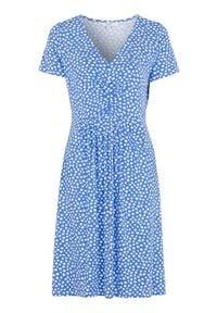 Cellbes Dżersejowa sukienka ze wzorem niebieski we wzory female niebieski/ze wzorem 46/48. Okazja: na co dzień. Typ kołnierza: dekolt w serek. Kolor: niebieski. Materiał: jersey. Długość rękawa: krótki rękaw. Styl: elegancki, casual