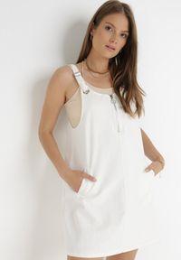 Born2be - Biała Sukienka Thyrly. Kolor: biały. Materiał: bawełna. Długość rękawa: na ramiączkach. Typ sukienki: sportowe. Styl: sportowy. Długość: mini