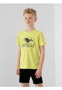 4f - T-shirt z nadrukiem chłopięcy. Kolor: żółty. Materiał: bawełna, dzianina, materiał. Wzór: nadruk