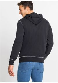 Czarna bluza bonprix z kapturem, z nadrukiem #6