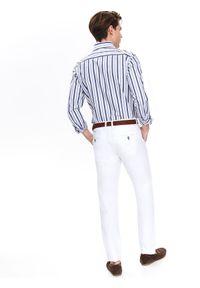 TOP SECRET - Koszula w pasy dopasowana. Okazja: do pracy, na co dzień. Długość rękawa: krótki rękaw. Długość: długie. Wzór: gładki. Sezon: zima, jesień. Styl: elegancki, casual