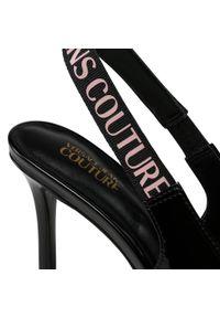 Versace Jeans Couture - Sandały VERSACE JEANS COUTURE - E0VWAS52 71978 899. Kolor: czarny. Materiał: skóra ekologiczna. Sezon: lato. Obcas: na obcasie. Styl: wizytowy, elegancki. Wysokość obcasa: średni