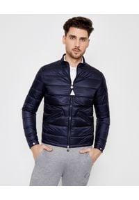 MONCLER - Granatowa kurtka Agay. Kolor: niebieski. Materiał: jeans. Długość rękawa: długi rękaw. Długość: długie. Wzór: aplikacja. Styl: klasyczny, sportowy