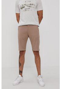 Cross Jeans - Szorty. Okazja: na co dzień. Kolor: beżowy. Materiał: tkanina. Wzór: gładki. Styl: casual