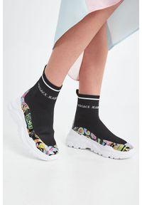 Sneakersy Versace Jeans Couture z nadrukiem, bez zapięcia, z cholewką za kostkę