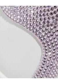 RENE CAOVILLA - Białe sneakersy Xtra z fioletowymi kryształami. Nosek buta: okrągły. Kolor: biały. Materiał: guma. Wzór: napisy, aplikacja #8