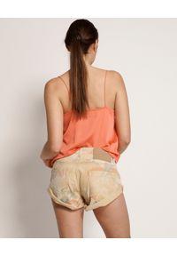 ONETEASPOON - Spodenki Tropical Bandits. Stan: obniżony. Kolor: beżowy. Materiał: jeans. Wzór: aplikacja