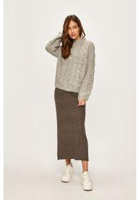 ANSWEAR - Answear - Sweter. Kolor: szary. Materiał: dzianina, materiał. Wzór: gładki, ze splotem