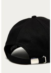 Czarna czapka z daszkiem Calvin Klein z aplikacjami