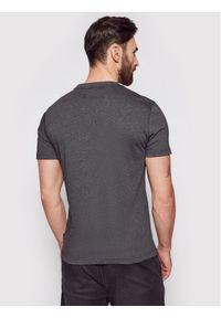 Calvin Klein T-Shirt Tone On Tone Logo K10K106711 Szary Regular Fit. Kolor: szary