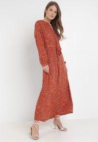 Czerwona długa sukienka Born2be