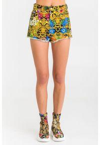 Versace Jeans Couture - SZORTY VERSACE JEANS COUTURE. Stan: podwyższony. Długość: krótkie. Sezon: lato. Styl: rockowy, klasyczny