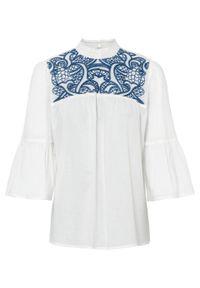 Bluzka bawełniana z haftem bonprix biel wełny - lazurowy. Kolor: biały. Materiał: bawełna, wełna. Wzór: haft
