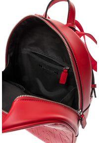 Czerwona torebka Armani Exchange z haftem, w kolorowe wzory