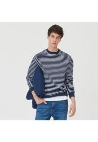 Sinsay - Bluza w paski - Granatowy. Kolor: niebieski. Wzór: paski