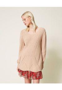 TwinSet - Beżowa sukienka z mieszanki wełny i halka w kwiaty Twinset. Kolor: beżowy. Materiał: wełna. Długość rękawa: na ramiączkach. Wzór: kwiaty. Długość: mini