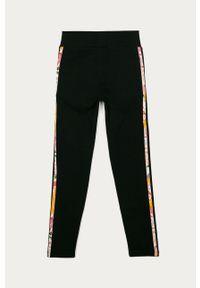Czarne legginsy adidas Originals z podwyższonym stanem, z aplikacjami