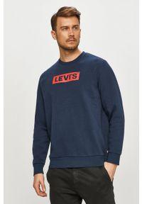 Levi's® - Levi's - Bluza. Okazja: na spotkanie biznesowe, na co dzień. Kolor: niebieski. Materiał: bawełna. Wzór: nadruk. Styl: casual, biznesowy
