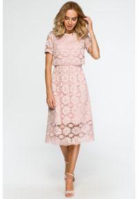 e-margeritka - Koronkowa elegancka sukienka midi pudrowy róż - XXL. Kolor: różowy. Materiał: koronka. Wzór: koronka. Styl: elegancki. Długość: midi