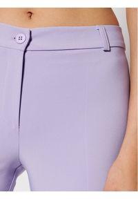Rinascimento Chinosy CFC0103166003 Fioletowy Slim Fit. Kolor: fioletowy