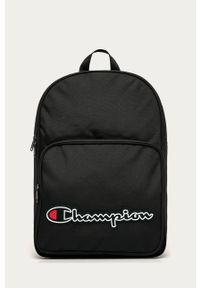 Czarny plecak Champion z aplikacjami