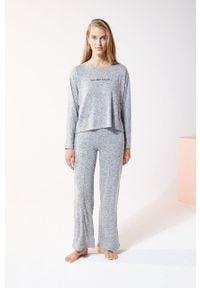 Szara piżama Etam z nadrukiem, długa