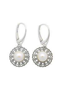 Polcarat Design - Srebrne oksydowane kolczyki z perłami K 1726. Materiał: srebrne. Kolor: srebrny. Wzór: aplikacja. Kamień szlachetny: perła