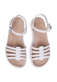 Białe sandały ecco casualowe, na co dzień