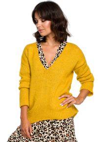 Żółty sweter oversize MOE elegancki, z dekoltem w serek