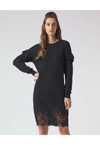 Manila Grace - MANILA GRACE - Dzianinowa sukienka z koronkowymi wstawkami. Kolor: czarny. Materiał: dzianina, koronka. Długość: midi