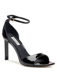 Czarne sandały Guess