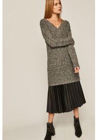 medicine - Medicine - Sweter Black Art. Okazja: na co dzień. Kolor: szary. Materiał: poliester. Długość rękawa: długi rękaw. Długość: długie. Styl: casual