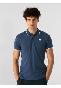4f - Koszulka polo regular męska. Okazja: na co dzień. Typ kołnierza: polo. Kolor: niebieski. Materiał: bawełna, dzianina, materiał. Styl: casual