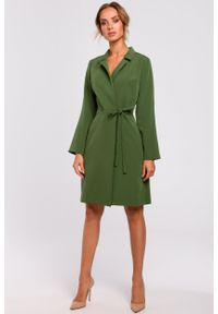 e-margeritka - Sukienka kopertowa do kolan zielona - m. Kolor: zielony. Materiał: tkanina, poliester, materiał, elastan. Typ sukienki: kopertowe. Styl: klasyczny, elegancki. Długość: midi