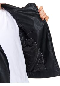 TOP SECRET - Ramoneska z ekologicznej skóry. Okazja: na spacer. Kolor: czarny. Materiał: skóra ekologiczna. Sezon: wiosna