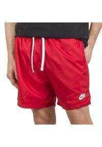Czerwone spodenki sportowe Nike z aplikacjami