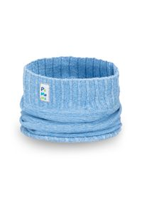 Niebieski szalik PaMaMi na wiosnę