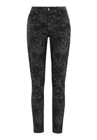 Czarne jeansy Cellbes z nadrukiem
