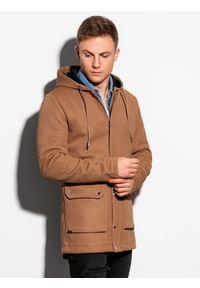 Ombre Clothing - Płaszcz męski jesienny C454 - brązowy - XXL. Typ kołnierza: kaptur. Kolor: brązowy. Materiał: poliester, dzianina, elastan. Sezon: jesień