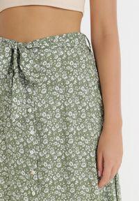 Born2be - Zielona Spódnica Mariela. Kolor: zielony. Materiał: tkanina, materiał. Wzór: kwiaty, ażurowy