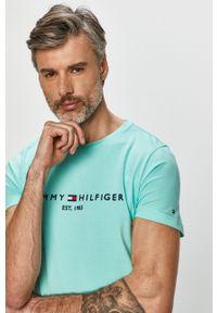 Turkusowy t-shirt TOMMY HILFIGER na co dzień, z aplikacjami
