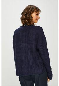 Niebieski sweter rozpinany medicine