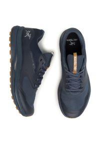 Niebieskie buty do biegania Arc'teryx z cholewką