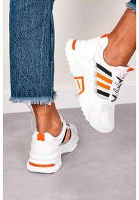 Casu - Białe buty sportowe sneakersy sznurowane casu 20f7/o. Kolor: biały. Materiał: skóra ekologiczna, materiał. Szerokość cholewki: normalna
