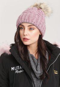 Różowa czapka Renee
