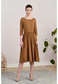 Marie Zélie - Sukienka Emelina orzechowa. Kolor: brązowy. Materiał: wiskoza, dzianina, materiał, elastan, guma. Styl: klasyczny. Długość: midi