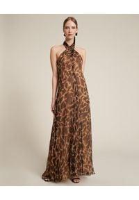 Luisa Spagnoli - LUISA SPAGNOLI - Sukienka Penny. Kolor: brązowy. Materiał: szyfon, jedwab. Długość rękawa: na ramiączkach. Wzór: motyw zwierzęcy, nadruk. Typ sukienki: rozkloszowane. Styl: elegancki. Długość: maxi
